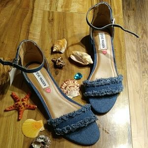 💕NWT/ Steve Madden sandals